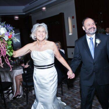 city wedding at art institute of chicago + park hyatt