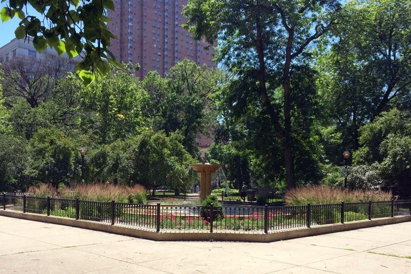 washington square park chicago
