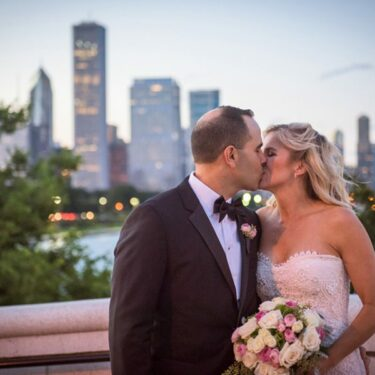 laid-back and fun shedd aquarium wedding
